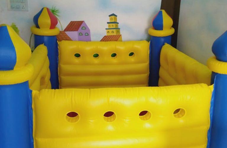 Play area bounce castle